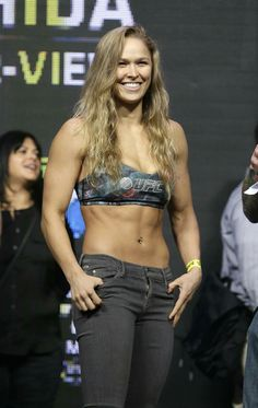 Love Her Smile: Ronda Rousey Ronda Rousey Wwe, Ronda Jean Rousey, Ronda Rousey Body, Rowdy Ronda, Martial Arts Women, Fitness Models, Ufc Fighters, Muscular Women, Athletic Women