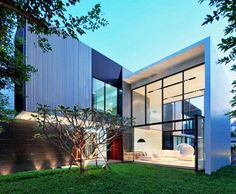 Naturally Ventilated in Thailand Modern Family House, Modern House Plans, Modern House Design, Life Design, Architecture Design, Residential Architecture, Amazing Architecture, Minimal Architecture, Normal House
