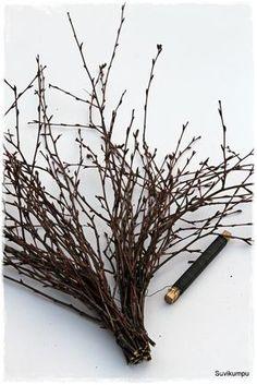 Risusydän ja kuinka se tehdään. Lisää erilaisia ohjeita löytyy täältä . Tarvikkeet: Koivunoksia Puolalankaa Oksasakset Nauhaa ym.... Valentine Day Crafts, Crafts To Do, Easter Crafts, Christmas Crafts, Diy 2019, Garden Workshops, Willow Weaving, Twig Wreath, Gardens