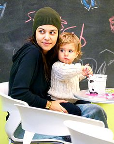 Kourtney Kardashian Goes Without Makeup, Takes Penelope and Mason Out For Frozen Yogurt in Sweatpants: Pictures