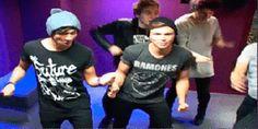 5SOS dancing to Bamboleo