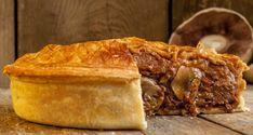 Plăcintă cu carne şi ciuperci - cea mai simplă și rapidă rețetă pentru o plăcintă savuroasă și extrem de sățioasă. Perfectă pentru o masă cu familia!