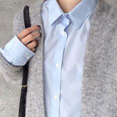 Grey cardigan, blue shirt + black bag | @styleminimalsim