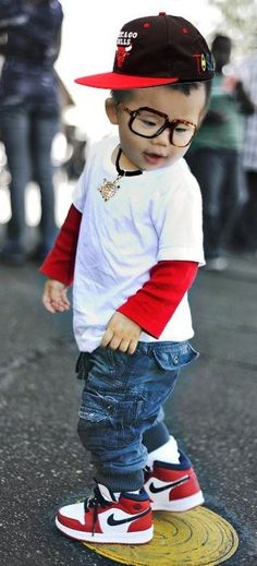I'm going to dress my son or daughter like this one day when I have one :-) So cute!