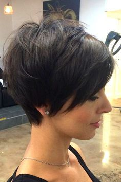 Today we have the most stylish 86 Cute Short Pixie Haircuts. We claim that you have never seen such elegant and eye-catching short hairstyles before. Pixie haircut, of course, offers a lot of options for the hair of the ladies'… Continue Reading → Short Hair With Layers, Short Hair Cuts For Women, Layered Hair, Thick Short Hair Cuts, Short Stacked Wedge Haircut, Long Pixie Cuts, Short Pixie, Pixie Haircut For Thick Hair, Haircut Short