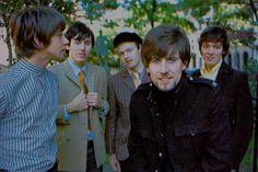 king-midas-is-perverse:  The Hollies 1966 Tony Hicks, Bernie Calvert,  Bobby Elliott, Graham Nash, Allan Clarke.  Photo by Henry Diltz.