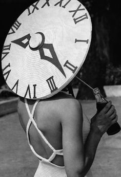 It's about time this 1939 sun-dial hat is recreated! (via TROWBRIDGE)