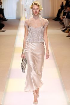 Armani Privé Fall 2013 Couture Collection Photos - Vogue