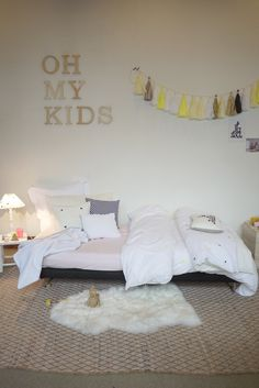 perfect little kid room--excellent childrens little kids bedroom space. Perfect bed placement close to the floor too. Decoration Inspiration, Room Inspiration, Boy Room, Kids Room, Child's Room, Rooms Decoration, Deco Kids, Baby Kind, Little Girl Rooms