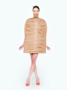 MARINA HOERMANSEDER SPRING SUMMER 2015 | the strap cape #fashiondesign #marinahoermanseder #berlin #leather #strap #cape