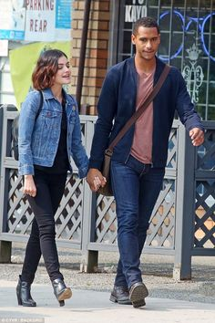 Lucy Hale kisses co-star Elliot King while filming - All For Bob Hair Trending Lucy Hale Body, Lucy Hale Style, Casual Fall Outfits, Winter Outfits, Lucy Hale Outfits, Life Sentence, Fashion Vocabulary, Classic Wardrobe, Bob
