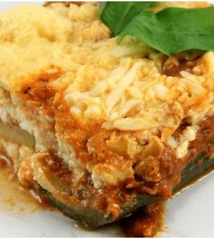 How to Make a Lasagna Using Zucchini Instead of Pasta. With the rising number of people trying to reduce or eliminate carbohydrates from their diet, more new low carb recipes are emerging. One way to have your lasagna and eat it too is to. Zone Recipes, Low Carb Recipes, Diet Recipes, Cooking Recipes, Healthy Recipes, Recipies, Zucchini Lasagna, Pasta Lasagna, Lasagna Noodles