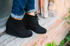 These are the MUST HAVE wedges for Fall! COLORS: Black Tan Grey Beige Burgundy Taupe Khaki These have been running TRUE TO SIZE Made with a suede material. Fall Wedges, Black Wedges, Grey And Beige, Taupe, 2 Inch Heels, Must Haves, Running Shoes, Boots, Fall