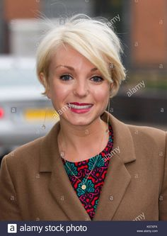 Actress Helen George is . Growing Out Short Hair Styles, Growing Out Hair, Pixie Crop, Long Pixie, Hair Inspo, Hair Inspiration, Helen George, Call The Midwife, Grow Out