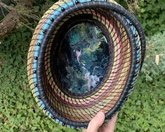 Beautiful coiled pine needle baskets by JodyNashStudio on Etsy Christmas Garden Flag, Making Baskets, Square Baskets, Pine Needle Baskets, Pine Needles, Star Pictures, Green Man, Wooden Bowls, Garden Flags