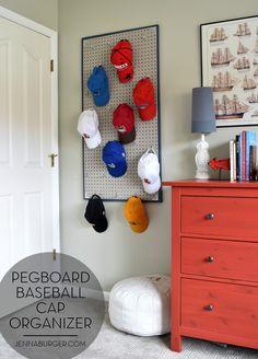 Pegboard Baseball Cap Organizer - Jenna Burger - Home Decor Diy Hat Rack, Teen Boy Rooms, Teenage Boy Bedrooms, Diy Projects For Bedroom, Ideas Para Organizar, Kids Bedroom, Boys Bedroom Ideas Tween, Teen Guy Bedroom, Boys Room Ideas
