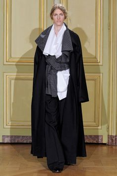 Moon Young Hee Fall 2013 RTW Collection - Fashion on TheCut