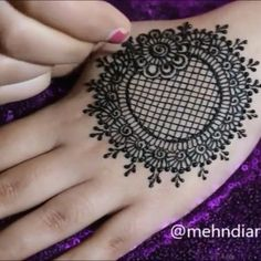 Henna Ideas 2974 Likes 28 Comments Manchester Mehndi Design Pictures, Mehndi Designs For Fingers, Unique Mehndi Designs, Beautiful Mehndi Design, Latest Mehndi Designs, Henna Tattoo Designs, Mehandi Designs, Mehndi Images, Henna Tattoos