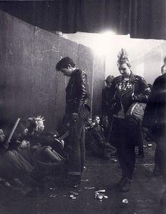 80s Goth, 80s Punk, Punk Goth, Punk Outfits, Tomboy Outfits, Emo Dresses, Party Dresses, Fashion Dresses, Punk Rock Fashion