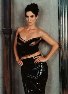 These Carrie-Anne Moss pictures are her hottest photos ever. We found sexy images, GIFs (videos,) & wallpapers from various bikini and/or lingerie photo Beautiful Celebrities, Beautiful Actresses, Gorgeous Women, Beautiful People, Carrie Anne Moss, Business Mode, Look Fashion, Fashion Tips, Fashion Hair