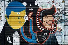 Buenos Aires, Argentina.  Puerto Madero es uno de los barrios más turísticos de la capital argentina, lo que se vio favorecido luego que en 1989 se recuperaran 170 hectáreas para transformarlas en espacios públicos y para construir viviendas. Las calles de este sector son un homenaje a las mujeres destacadas de la historia argentina que se mezclan con murales como el de la imagen.