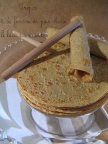 Light pancakes with chickpea flour & almond milk (gluten and lactose free) Naan Sans Gluten, Sans Gluten Ni Lactose, Lactose Free, Breakfast Recipes, Dessert Recipes, Vegan Recipes, Cooking Recipes, Ron, Cooking Time