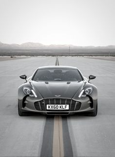 Awesome Aston Martin One-77 top gear