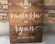 Wedding Welcome Sign  Rustic Wood Wedding Sign di OAKYdesigns