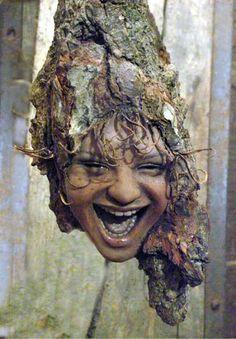 Beautiful wood sculpture by Tatjana Raum- Wood Art Sculpture Tree Carving, Wood Carving, Tree People, In Natura, Art Sculpture, Wooden Art, Green Man, Pics Art, Tree Art