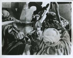Rudolph Valentino The Sheik Photo Rudolph Valentino, Sheik, Movie Photo, Most Beautiful Man, Movie Stars, Black And White, Movies, Black N White, Films