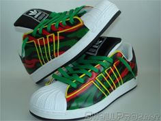 Adidas Superstar II 'A Tribe Called Quest' Customs A Tribe Called Quest, Hip Hop Outfits, Funky Fashion, Funky Style, My Style, Hot Shoes, Urban Outfits, Custom Sneakers, Adidas Superstar