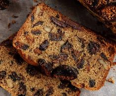 Whole Wheat Chocolate Chunk Fig Bread -- Made with mission dried figs, dark chocolate and whole wheat flour, this quick bread recipe is a smart food choice for the whole fam. Quick Bread Recipes, Keto Recipes, Fig Recipes, Greek Recipes, Easy Recipes, Fig Bread, Sourdough Bread, Southern Buttermilk Biscuits