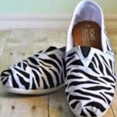 Zebra Painting for your TOMS Shoes by SavannahSmiled on Etsy Cute Shoes, Me Too Shoes, Tom Shoes, Zebra Painting, Toms Shoes Outlet, Shoe Gallery, Painted Shoes, Zebra Print, Girls Best Friend
