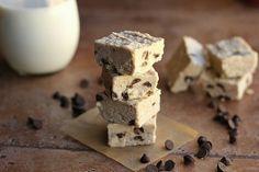 #HealthyRecipe / Chocolate Chip Detox Fudge (Dairy-Free, Vegan)