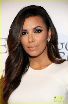 Eva Longoria hair and makeup stunning