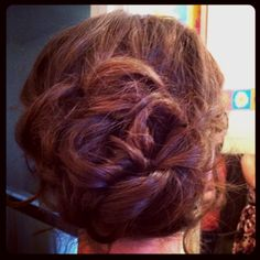 My friends homecoming hair. Very easy. :)