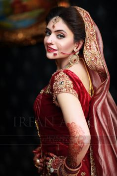 This bride is gourgeous!!