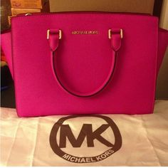 MK love the color and look overall of the bag.