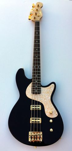 Root Beer Calumet Chiappona bass with pau ferro fretboard and TV Jones Thunder'Tron pickups