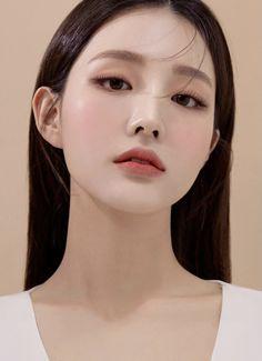 Pretty Korean Girls, Korean Beauty Girls, Beautiful Asian Girls, Asian Beauty, Beautiful Person, Korean Makeup Look, Asian Eye Makeup, Aesthetic Girl, Aesthetic Indie