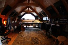 Amazing recording studio - I could live in there...