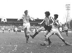 07-11-1971: #FCGroningen en #PSV spelen gelijk. Koeman en Cornelis maken het De Vrindt lastig. #gropsv