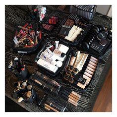 The Makeup Show gave me a good reason to not have a case of the Mondays! Completely reorganized my kit after my client today. Makeup Set, Makeup Storage, Makeup Goals, Makeup Organization, Beauty Makeup, Makeup Ideas, Makeup Artist Tips, Freelance Makeup Artist, Makeup Artistry