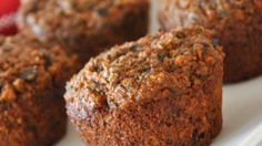 These spicy muffins are loaded with fiber and flavor. Oat bran and flax seeds along with carrots, raisins, apples and nuts make a healthy difference here. Oat Bran Muffins, Date Muffins, Carrot Muffins, Breakfast Bars, Breakfast Recipes, Healthy Muffins, Dessert Recipes, Desserts, Healthy Baking
