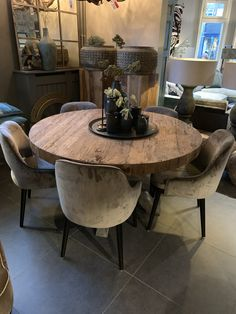 Home Decor Kitchen, Flat Furniture, Home N Decor, Modern Dining Room, Dining Room Cozy, Round Dining Table, Dining Room Contemporary, Dining Room Decor, Round Dining Room Table
