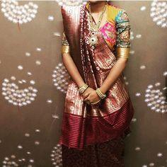 Banarsi Saree with beautiful blouse Bandhani Dress, Sari Dress, Banarsi Saree, Silk Sarees, Saree Draping Styles, Saree Blouse Patterns, Beautiful Blouses, Indian Designer Wear, Embroidered Blouse