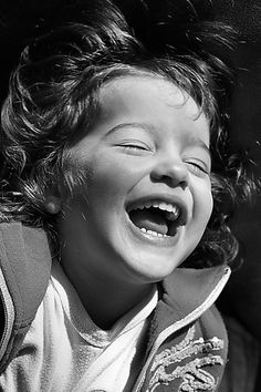 Let go and LAUGH. Laugh from your heart. Laugh from your soul. Laughter is emotion escaping. Laughter is loss of control. Happy Smile, Smile Face, Your Smile, Make You Smile, Happy Faces, Girl Smile, I'm Happy, Happy Baby, Robert Doisneau