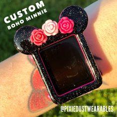 Disney Apple Watch Band, Cute Apple Watch Bands, Apple Watch 3, Cute Phone Cases, Iphone Cases, Mobile Phone Handset, Apple Watch Fashion, Iphone Watch, Accessoires Iphone