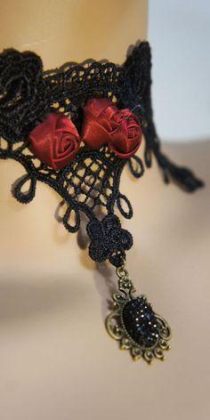 Small rose choker