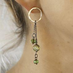 Sircle earrings in sterling silver with green glass beads - handmade by Silva Sitārā * www.facebook.com/SilvaSitara
